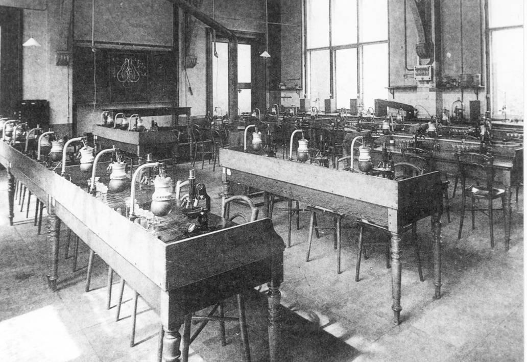 chemical-laboratory-in-the-19th