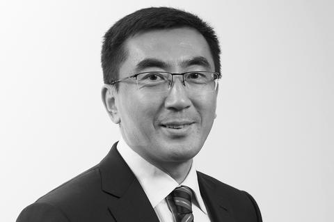 Hua-Du-member-of-the-Executive-Committee